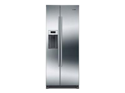 """36"""" Bosch 300 Series counter-depth Side-by-Side Refrigerator In Stainless Steel - B20CS30SNS"""